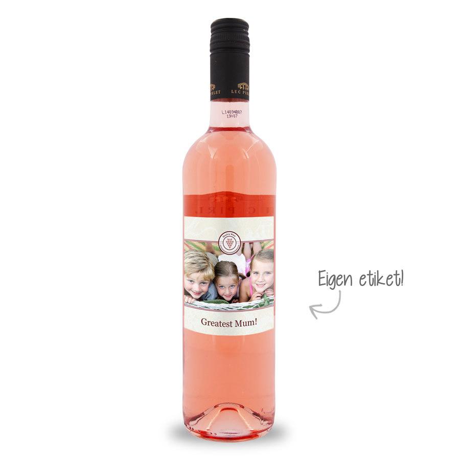 wijn met etiket